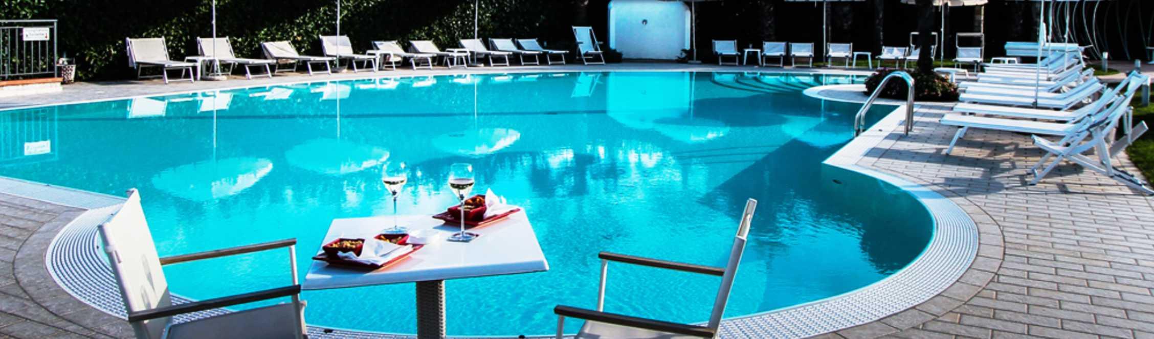 San Severino Park Hotel Piscina